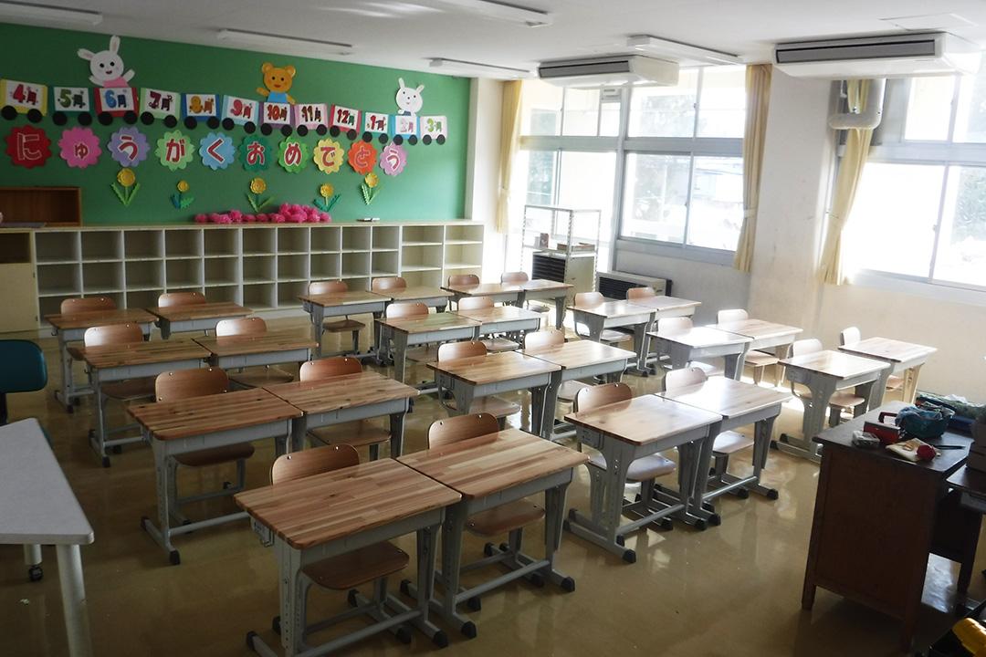 美里福島県材「学習机・椅子」